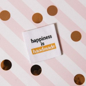 "Etiquettes à coudre ""happiness is handmade"""